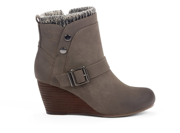 "[""Exiled Chelsee Girl taupe "", "" gender-womens type-winter boots style-casual""]"