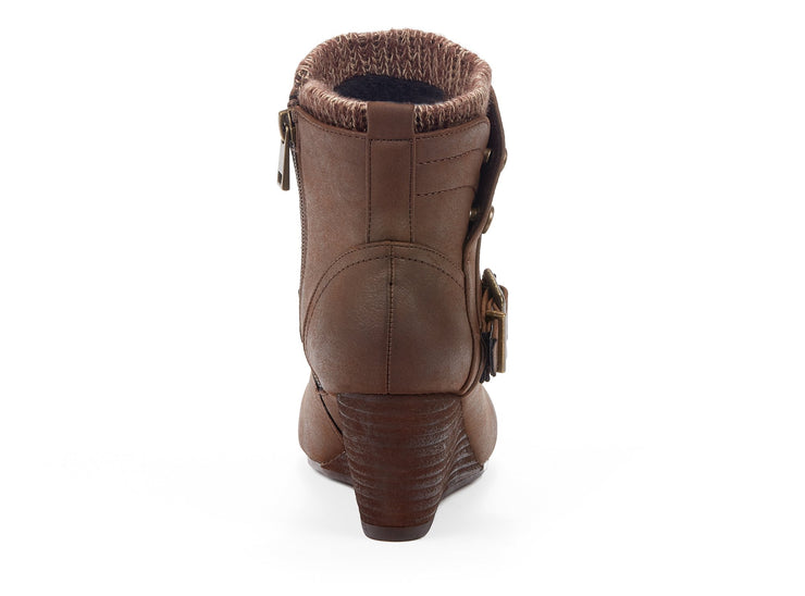 "[""Exiled Chelsee Girl cognac "", "" gender-womens type-winter boots style-casual""]"