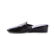 "[""  black "", "" gender-womens type-slippers style-indoor""]"