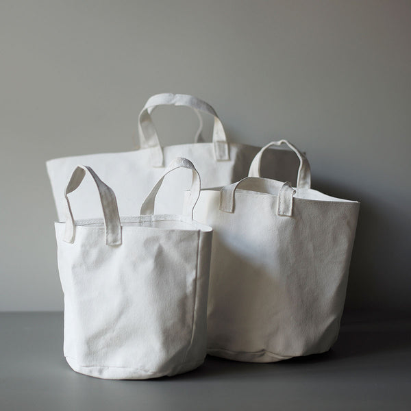 white canvas bags