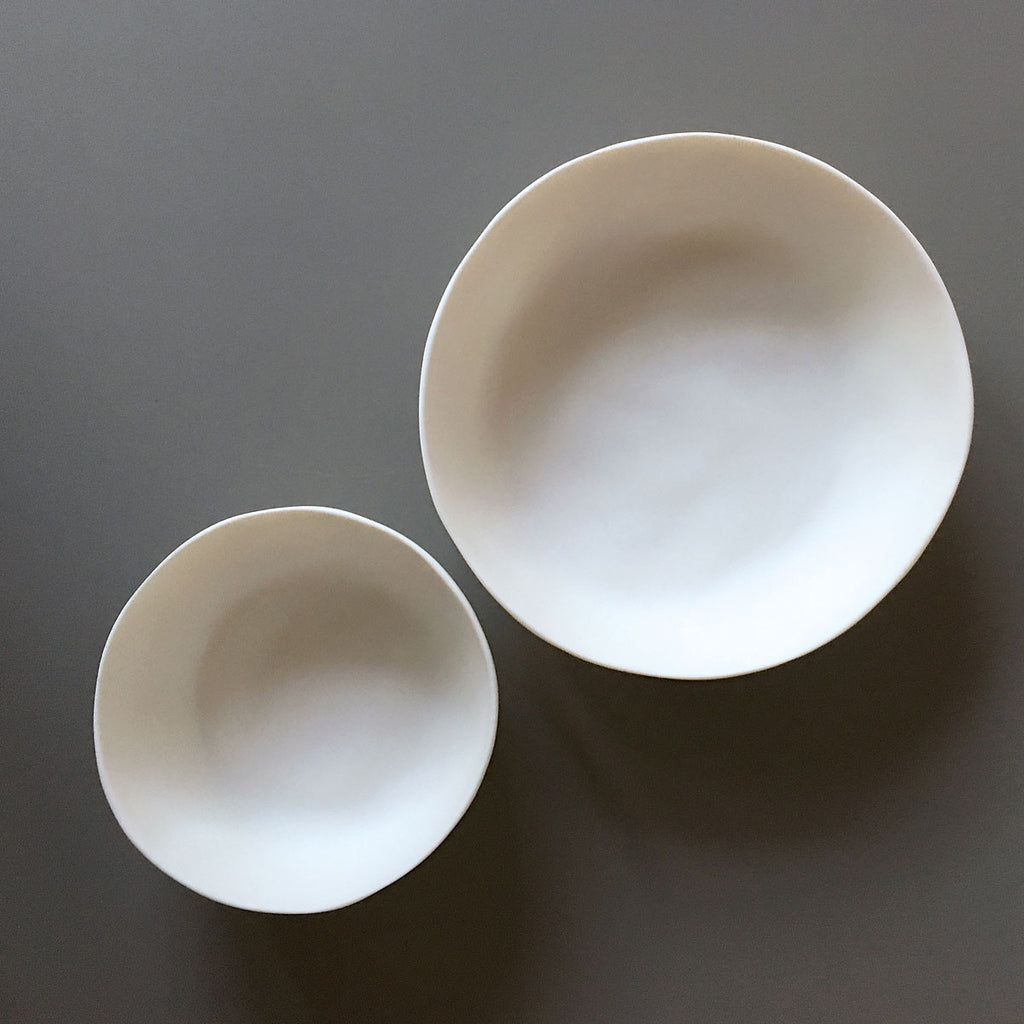 white resin bowls