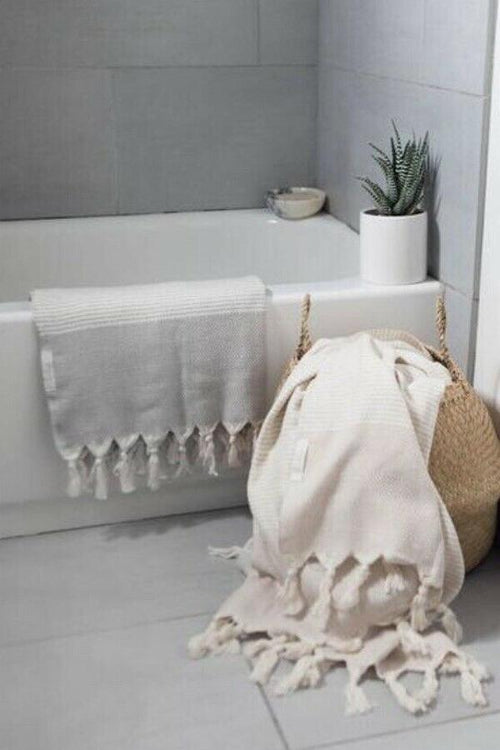 Hare Towel - Light Grey