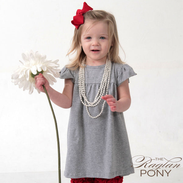 Pearl T-shirt grey w/o back ruffle - The Raglan Pony