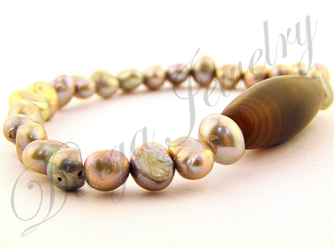 White Pearls and Coffee Agate Bracelet