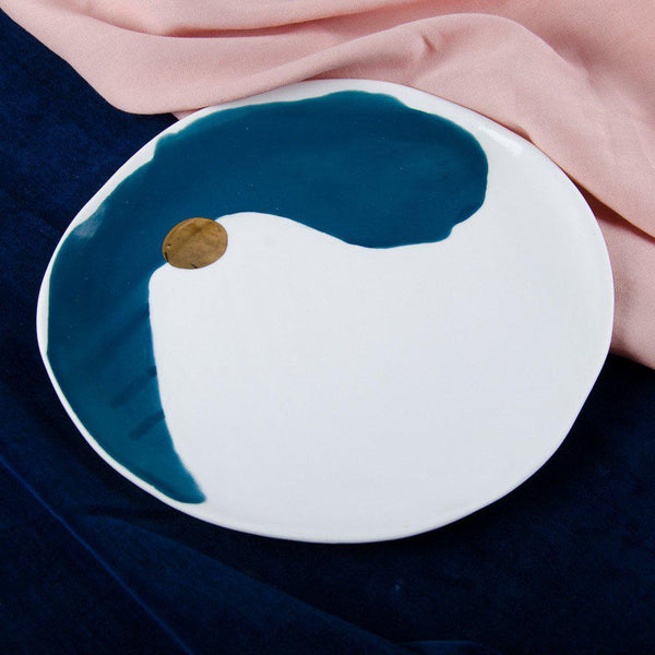 Luncheon plate, porcelain, majolica blue and white with a golden dot