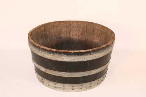 WINE BARREL TUB
