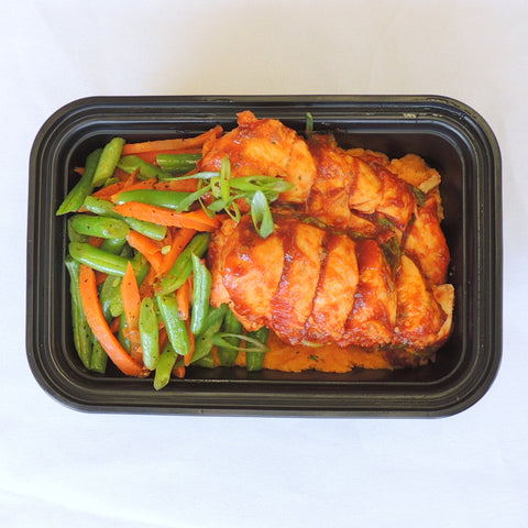 MacroNu-Bowl: BBQ Chicken & Sweet Potato