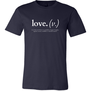 Love does not behave in a prideful (Men's T-Shirt)