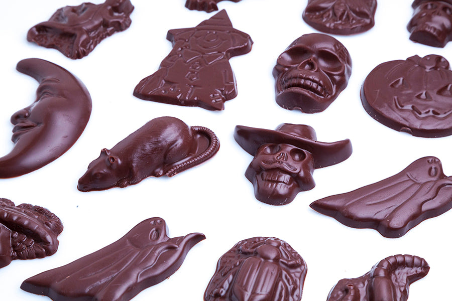 Paper Goodie Bag with 10 Solid Halloween Chocolates