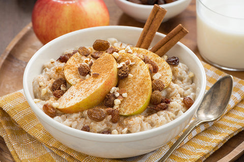 Apples and Cinnamon Oatmeal