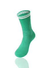 GREENWHITE Mad Toro 5 Leaves Graphic Socks - URBANCREWS