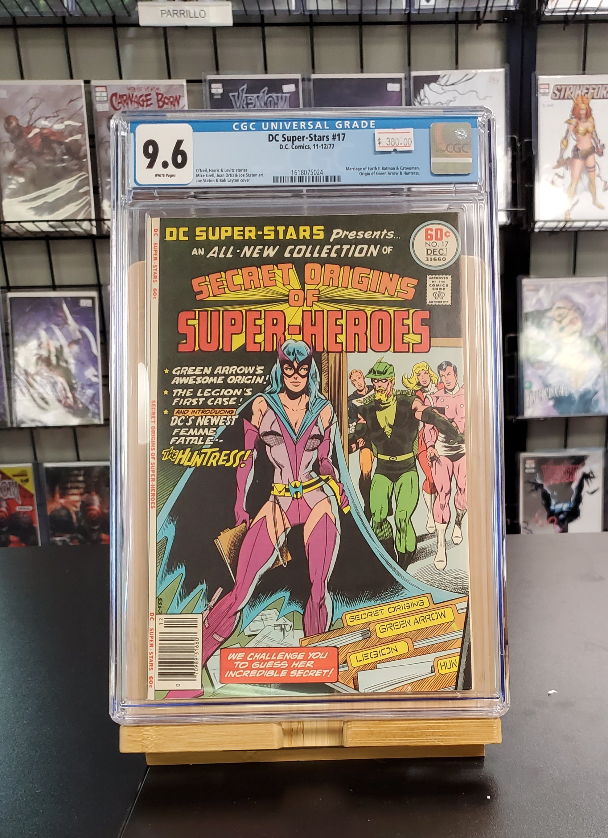 9.6 CGC DC Super-Stars #17 Marriage of Earth II Batman & Catwoman Origin of Green Arrow & Huntress 1977