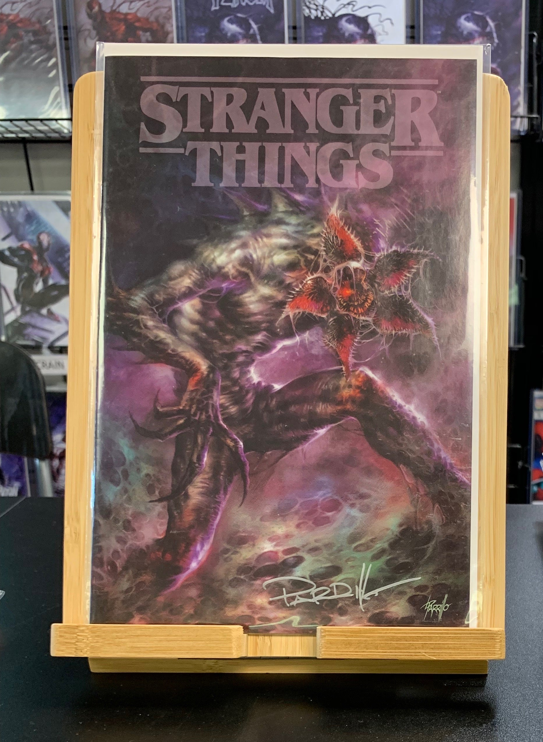 STRANGER THINGS #1 VARIANT SIGNED BY LUCIO PARRILLO DARK HORSE 2018