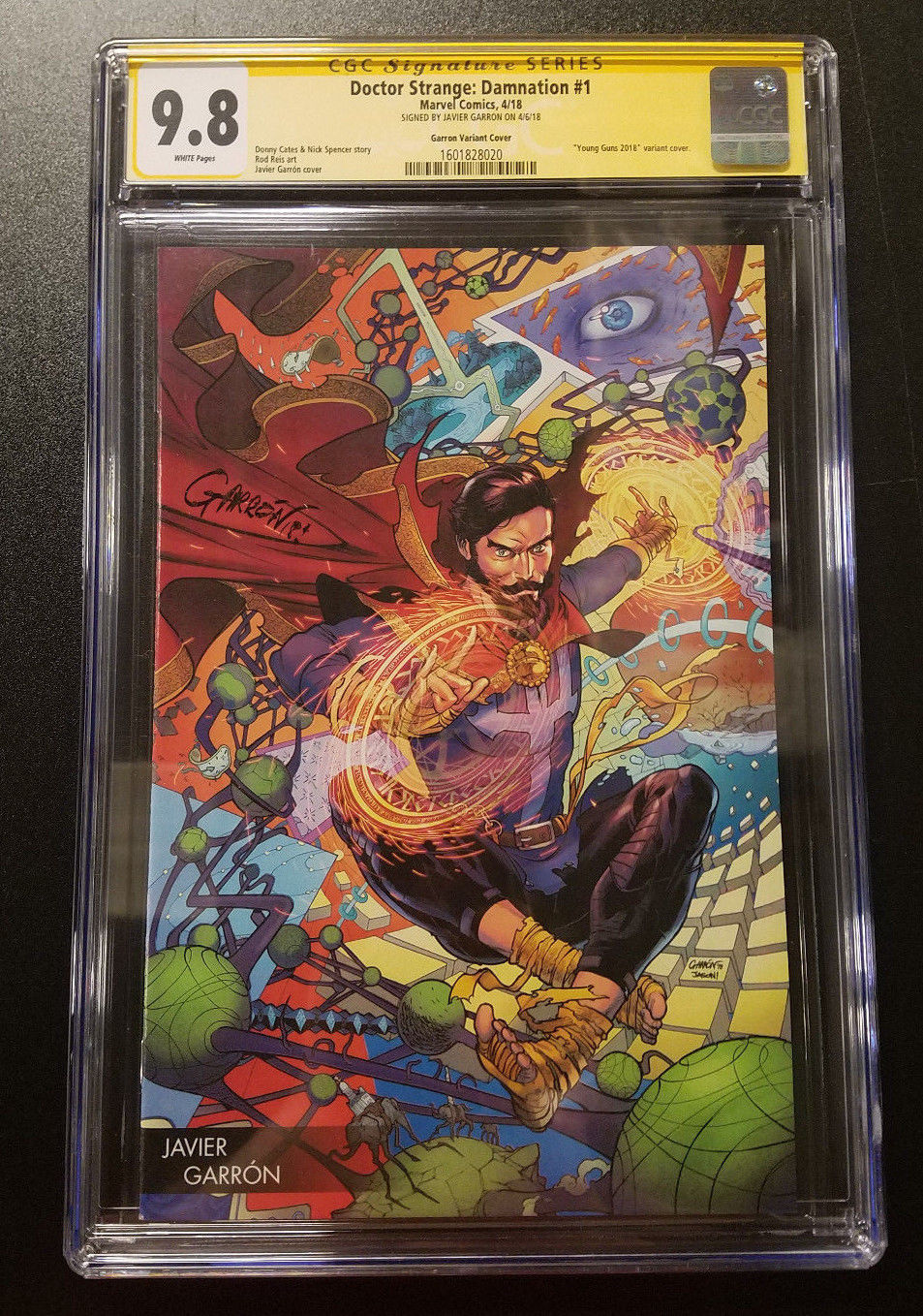 9.8 CGC SS Doctor Strange Damnation #1 Young Guns Variant SIGNED Comics 2018