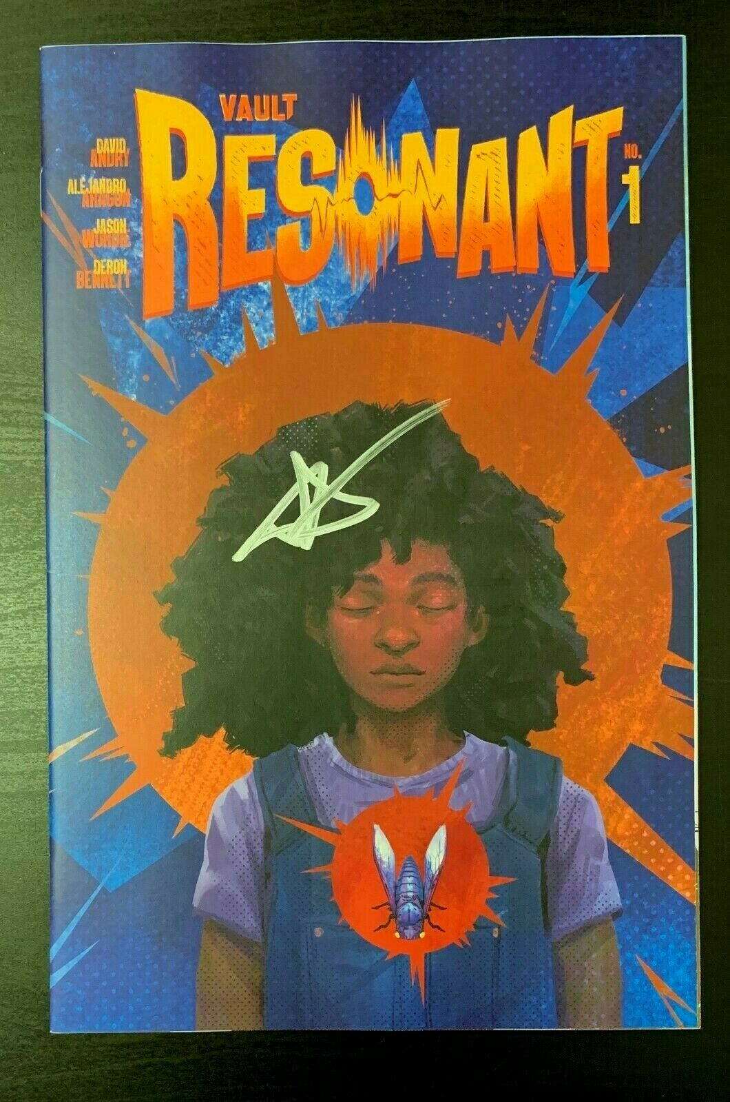 Resonant #1 SDCC San Diego Comic Con Variant SIGNED by David Andry Vault 2019