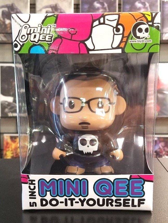 Creator Qee 5 Inch Do it Yourself DIY Mini Qee Toy2R Designer Vinyl Toy