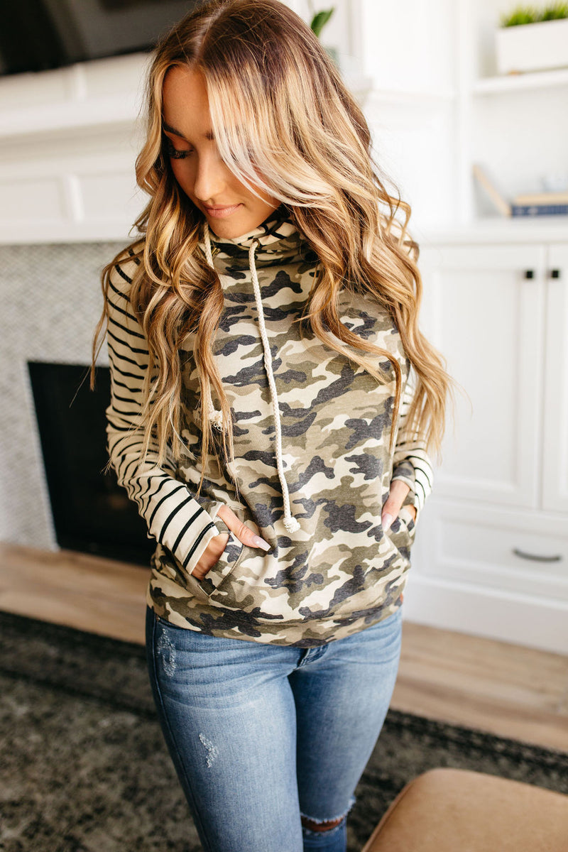 Doublehood Sweatshirt in Camo & Stripe