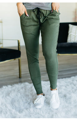 Ampersand Joggers in Olive