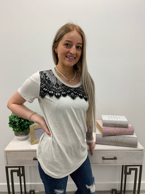 Houston Scallop Lace Tee | Heather Grey
