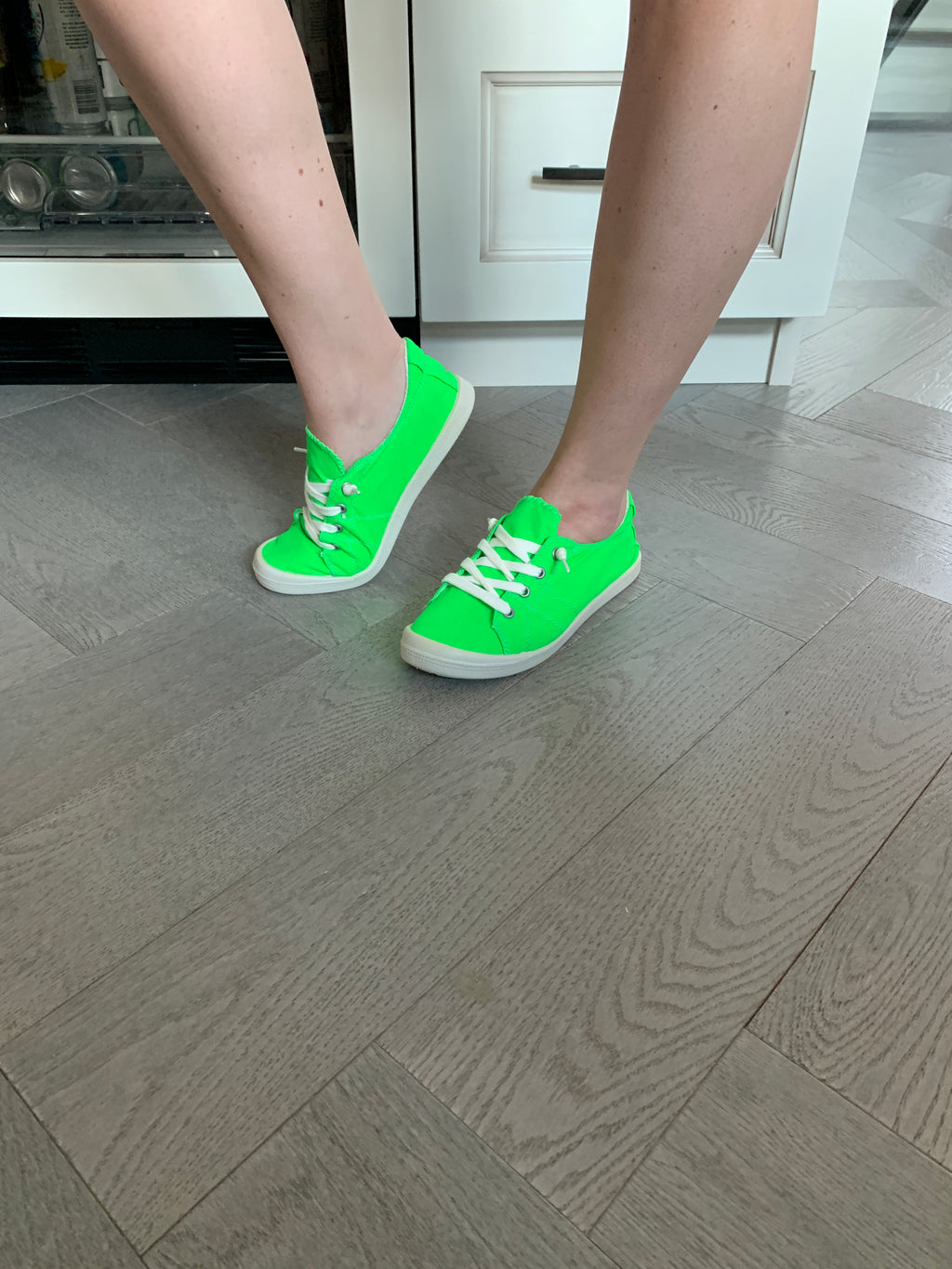 Sutton Sneakers | Neon Green