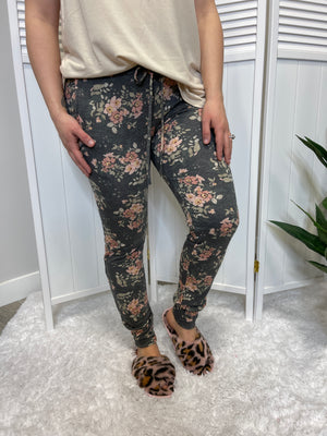 *FINAL SALE* Joan Floral Joggers | Moody Dark Floral