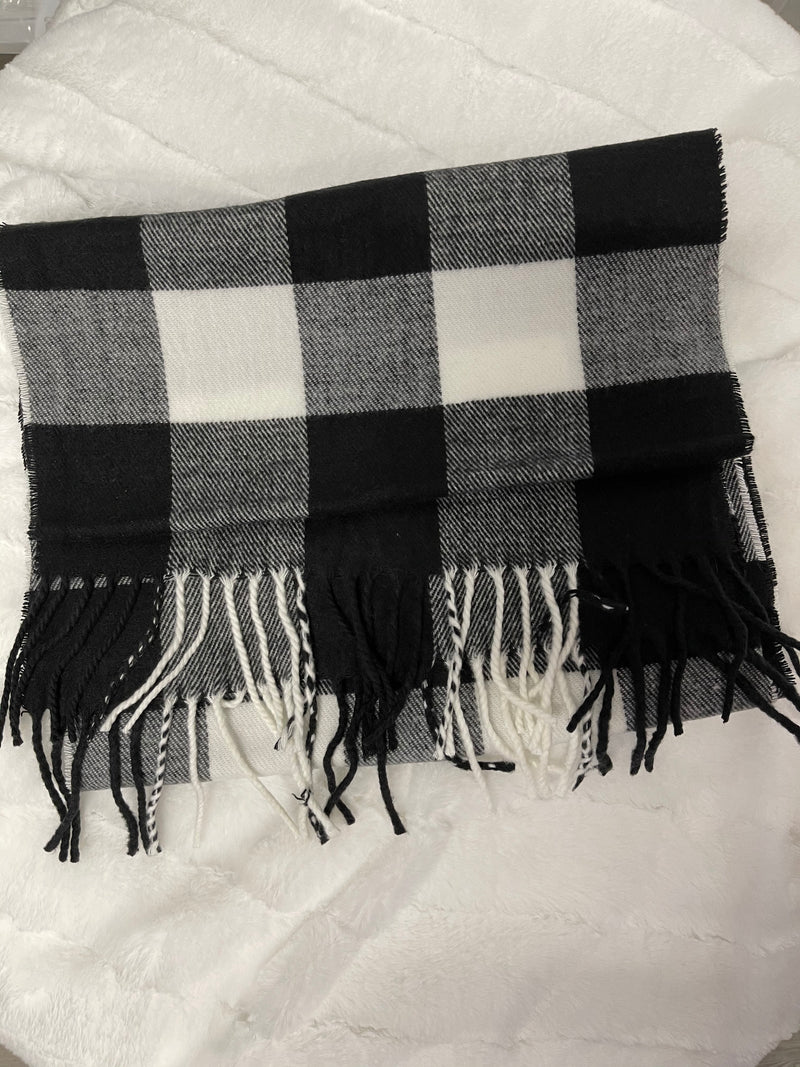 *FINAL SALE* Fringe Scarf | Black Plaid