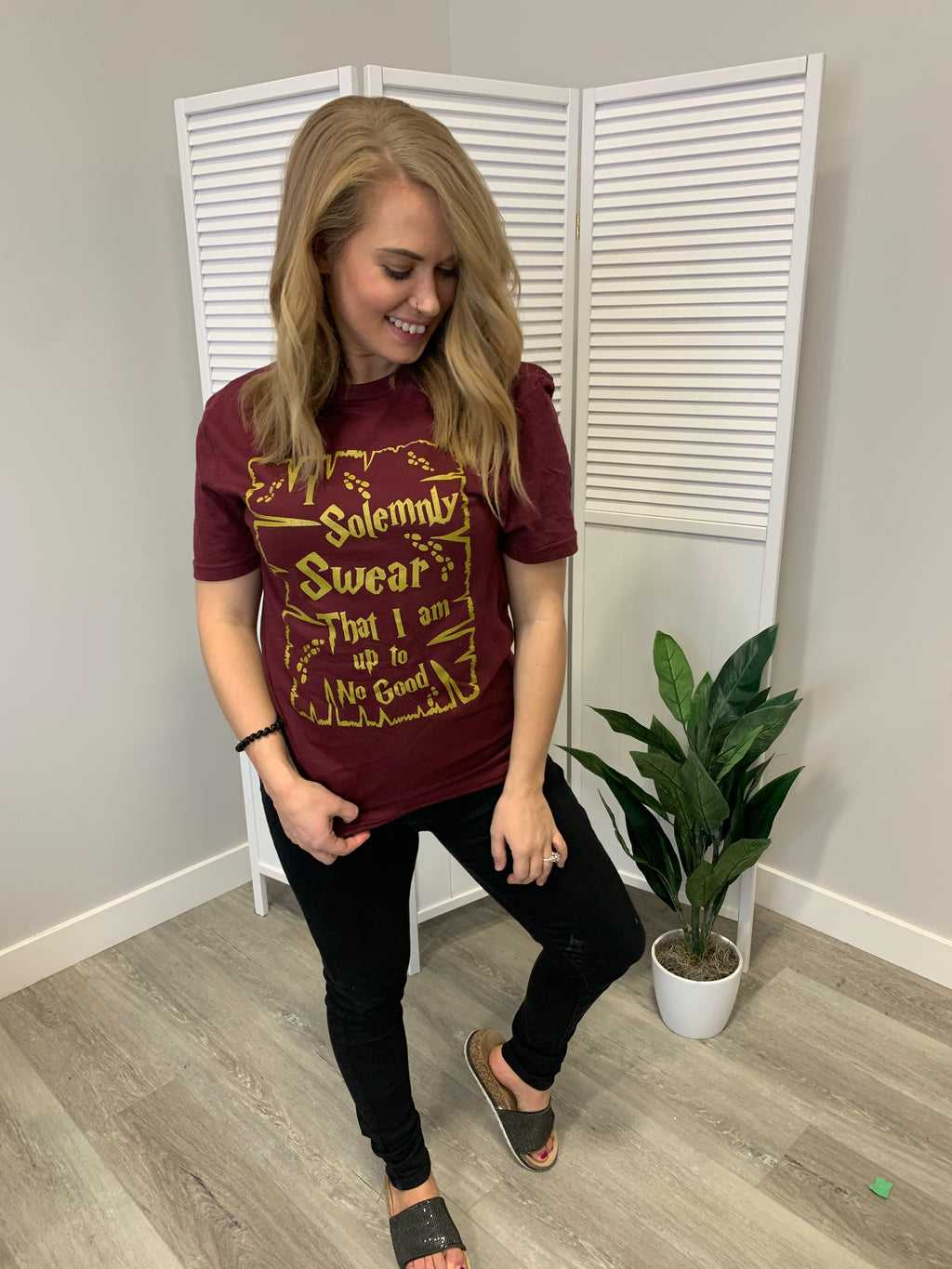 I Solemnly Swear Graphic Tee | Burgundy & Gold