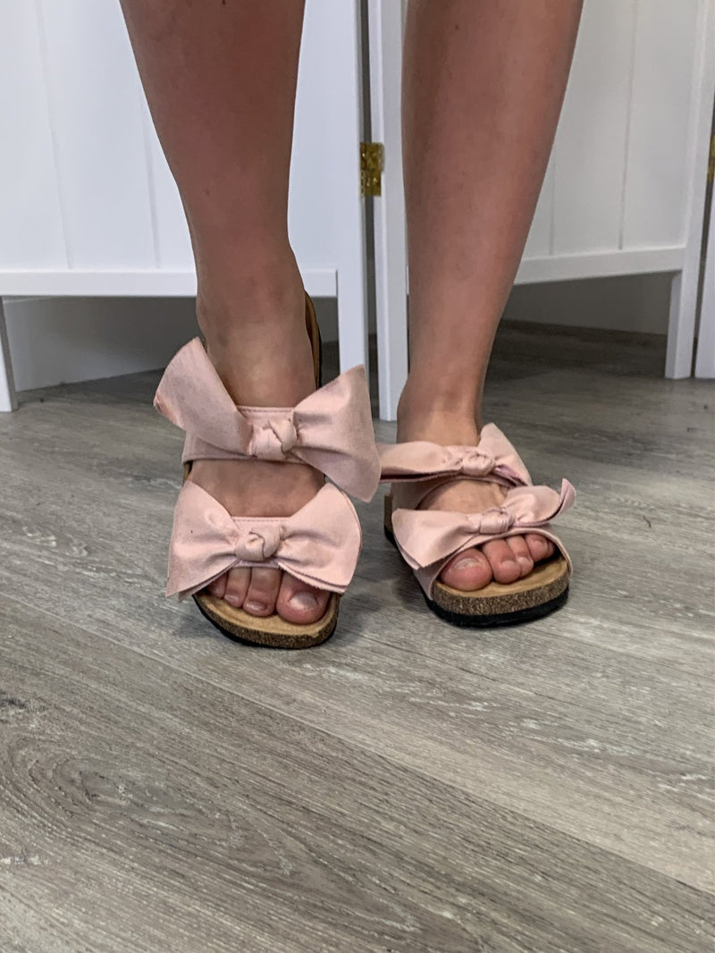 Boardwalk Bow Sandals | Blush