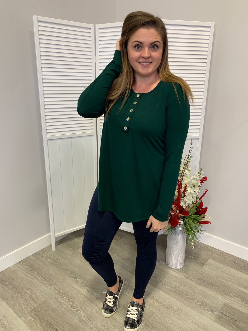*FINAL SALE* Everyday Long Sleeve Button Top | Hunter Green