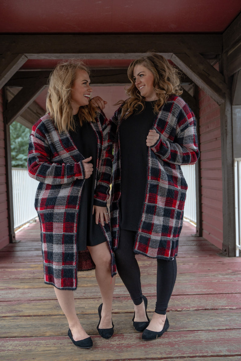 Balsam Plaid Cardigan | Black & Red