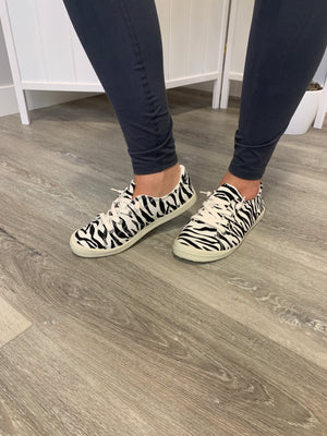 *FINAL SALE* Sutton Sneakers | Zebra
