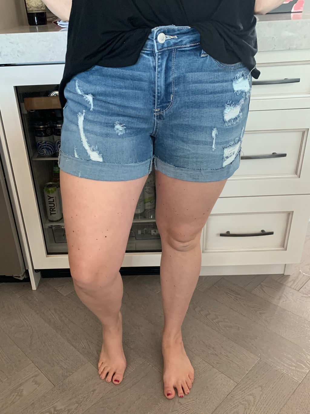 Judy Blue Shorts | Distressed | MID WASH