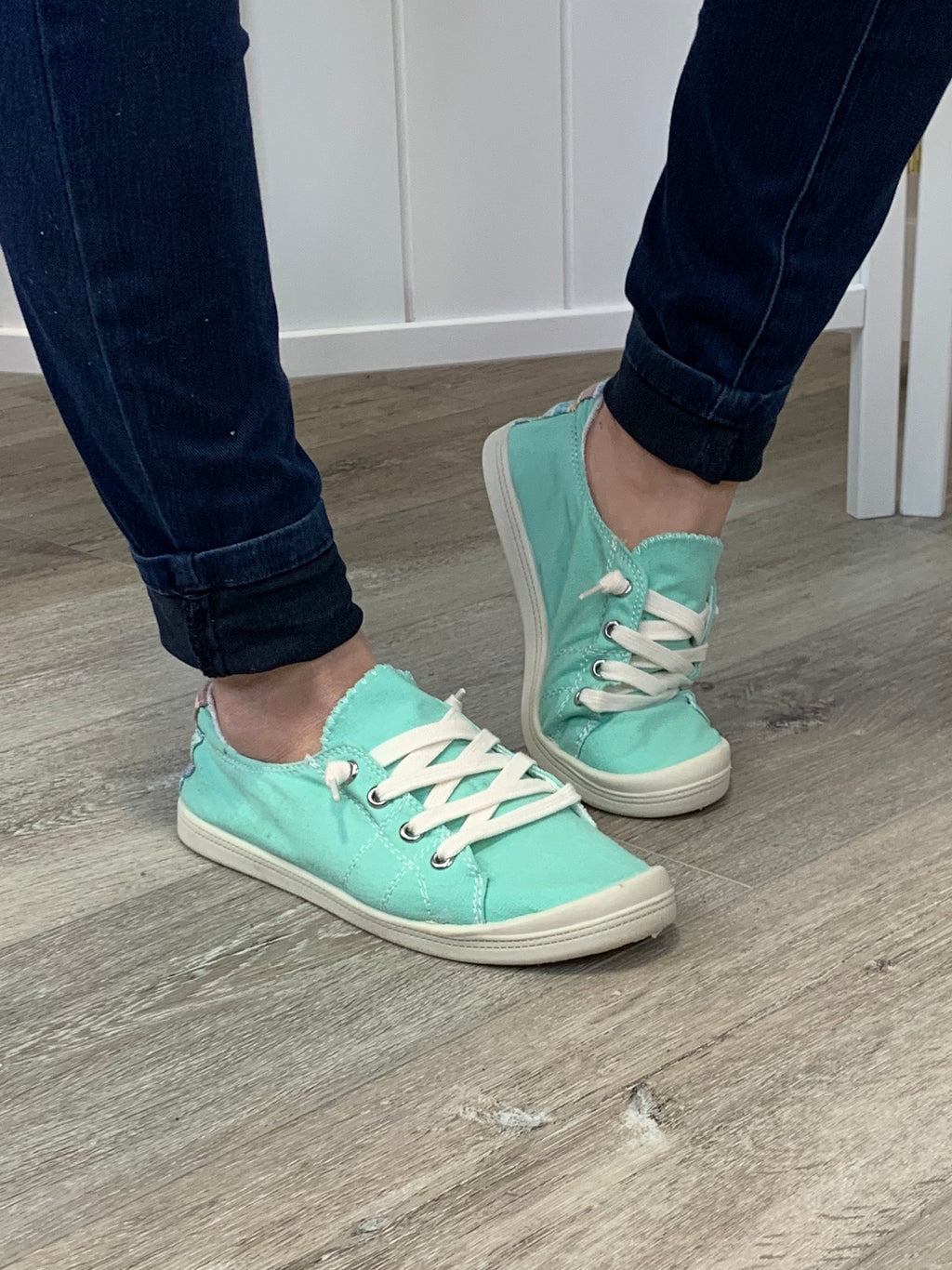 Sutton Sneakers | Turquoise