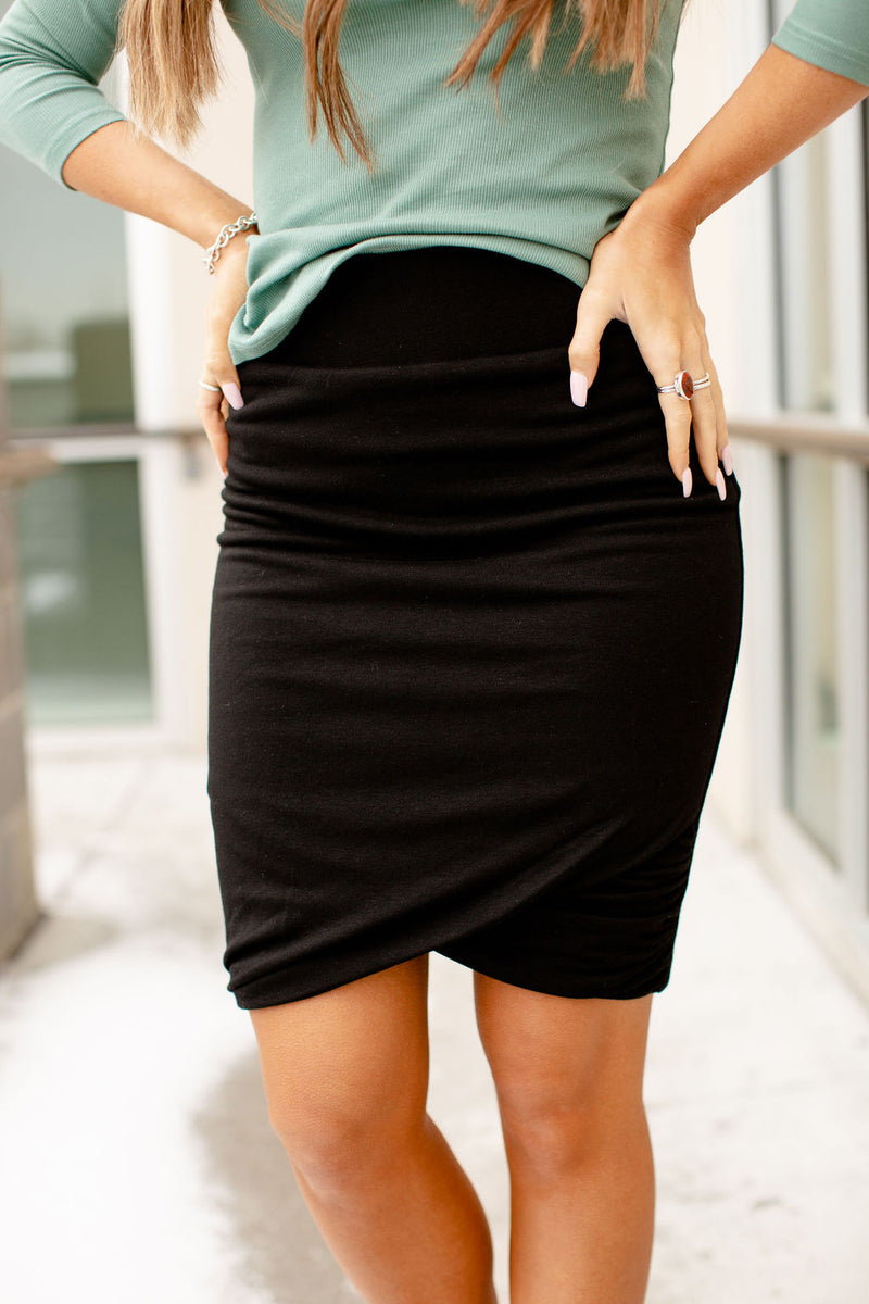 Ampersand Ruched Pencil Skirt | Black
