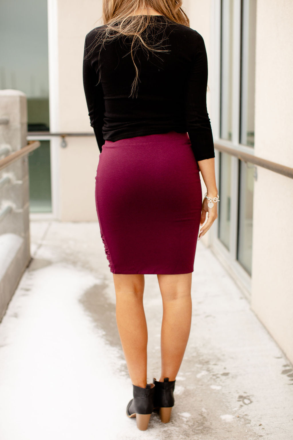 Ampersand Ruched Pencil Skirt | Wine