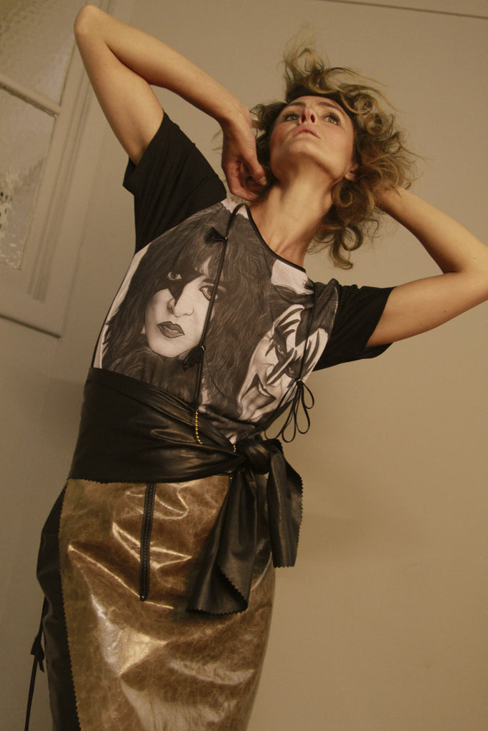 KISS MAKEOVER T-SHIRT & WEEK DAY LEATHER SKIRT & CUMMERBUND