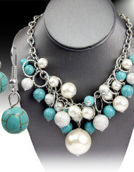 Beautifully Beaded Turquoise & Pearl Necklace Set (Silver & Gold)