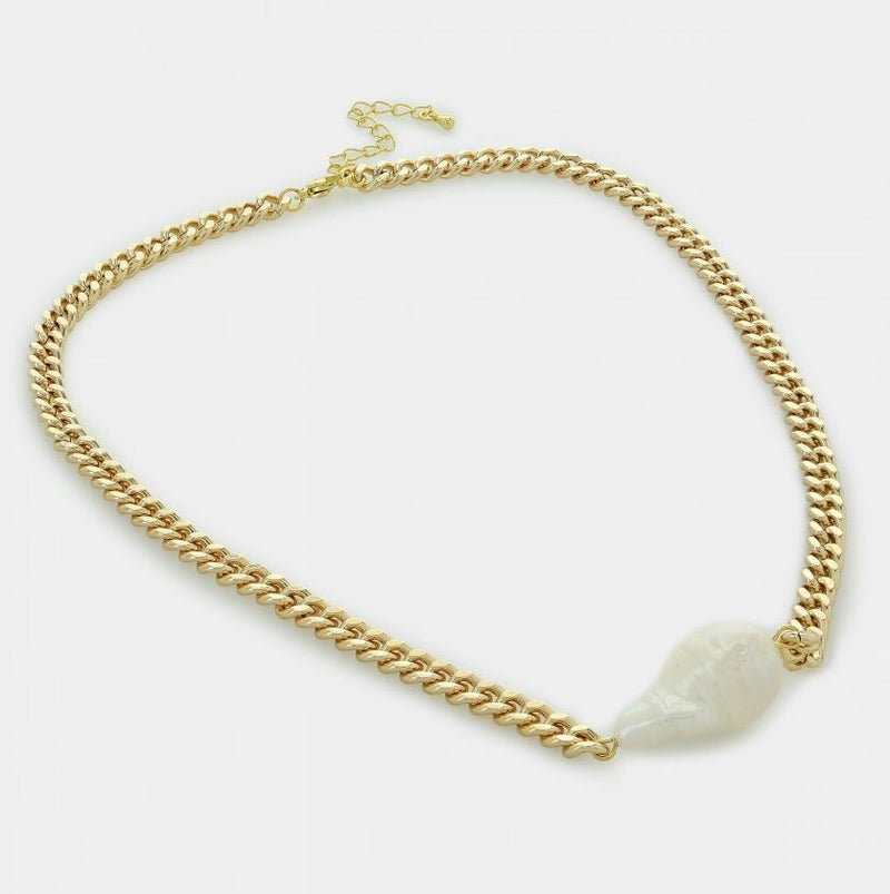 Emilie Curb Chain Necklace with Baroque Pearl - Gold
