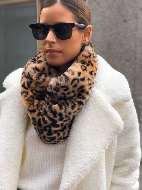 Janet Animal Print Faux Fur Infinity Scarf - Leopard
