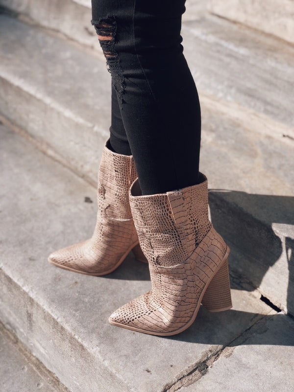 Lana Rose Gold Snakeskin Pointy Toe Cowboy Boots - amannequin - amannequin