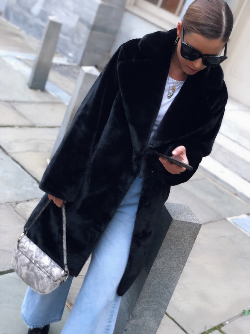 Taliana Faux Fur Coat - Black - amannequin - amannequin