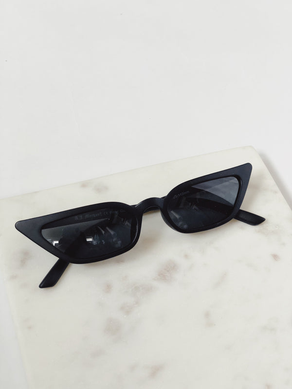 Royale Matte Black Cat Eye Sunglasses by AJ Morgan - amannequin - amannequin