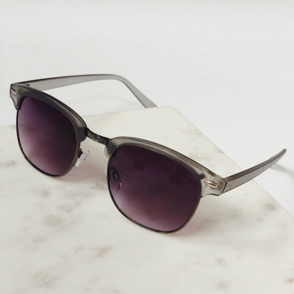 Gabby Matte Gray Retro Sunglasses by AJ Morgan - amannequin - amannequin