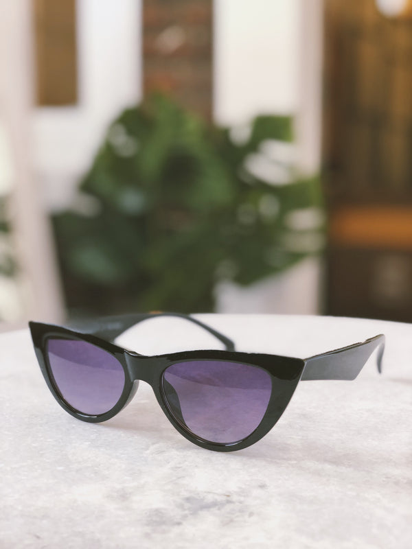 Essex Black Cat Eye Sunglasses by AJ Morgan - amannequin - amannequin