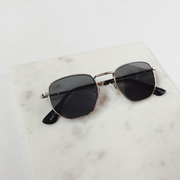 Indio Silver Aviator Sunglasses by AJ Morgan - amannequin - amannequin