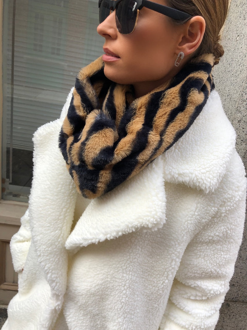 Janet Animal Print Faux Fur Infinity Scarf - Tiger - amannequin - amannequin