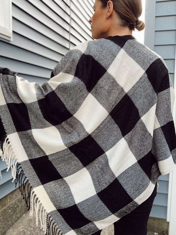 Dakota Buffalo Check Plaid Tassel Poncho