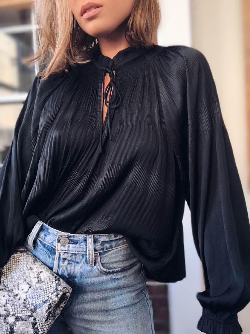 Zuri Pleated Puff Sleeve Blouse - Black - amannequin - amannequin