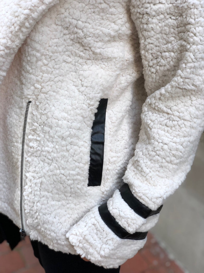 Hedi Teddy Coat with Faux Leather Details - Off White - amannequin - amannequin