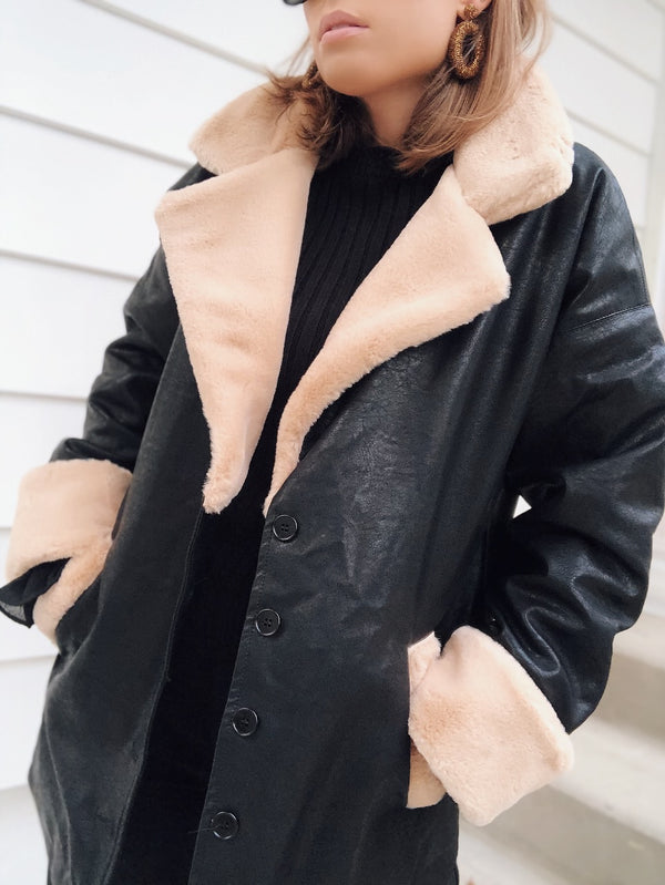 Mata Contrast Faux Fur Collar Vegan Leather Coat - Black - amannequin - amannequin